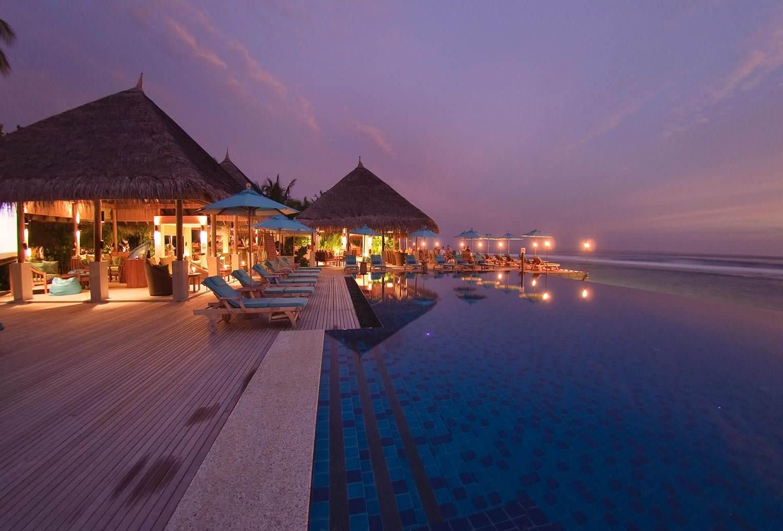 HOTEL (MALDIVAS - NIGHT)